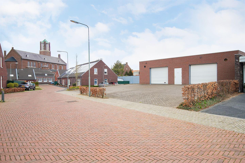 Bekijk foto 2 van Veldstraat 10