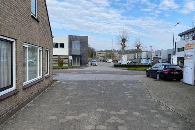 Bekijk foto 4 van Industrieweg 12