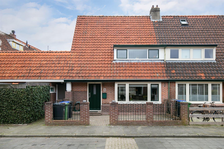 Bekijk foto 1 van Professor Dondersstraat 3