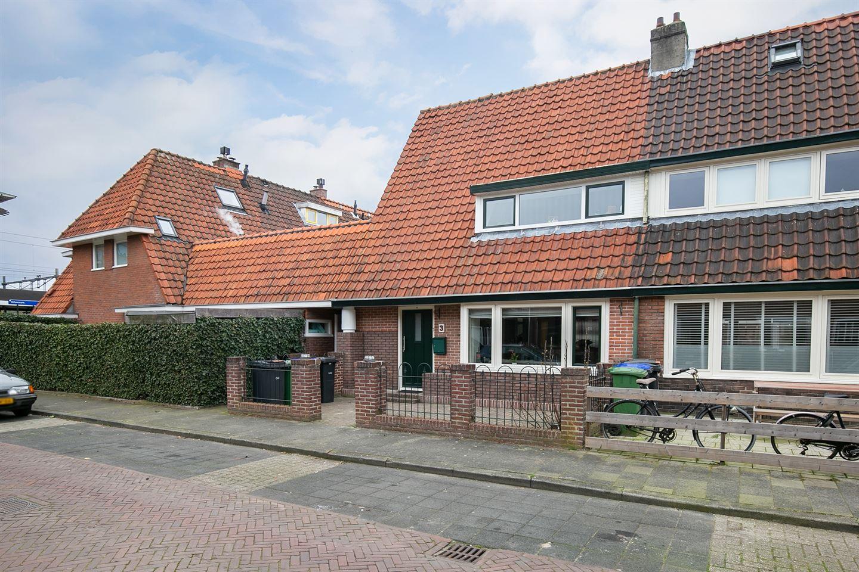 Bekijk foto 2 van Professor Dondersstraat 3