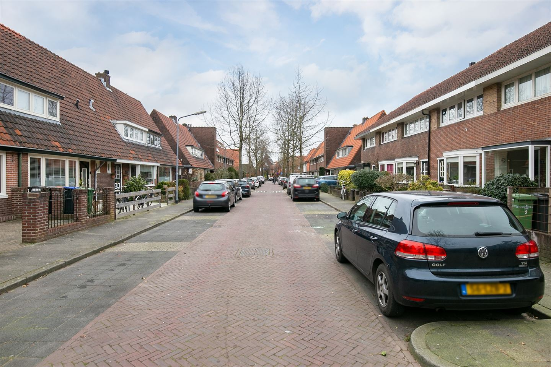 Bekijk foto 4 van Professor Dondersstraat 3