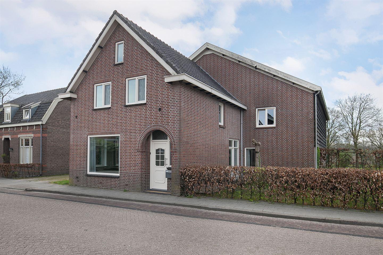 Bekijk foto 2 van Benedenkerkstraat 7