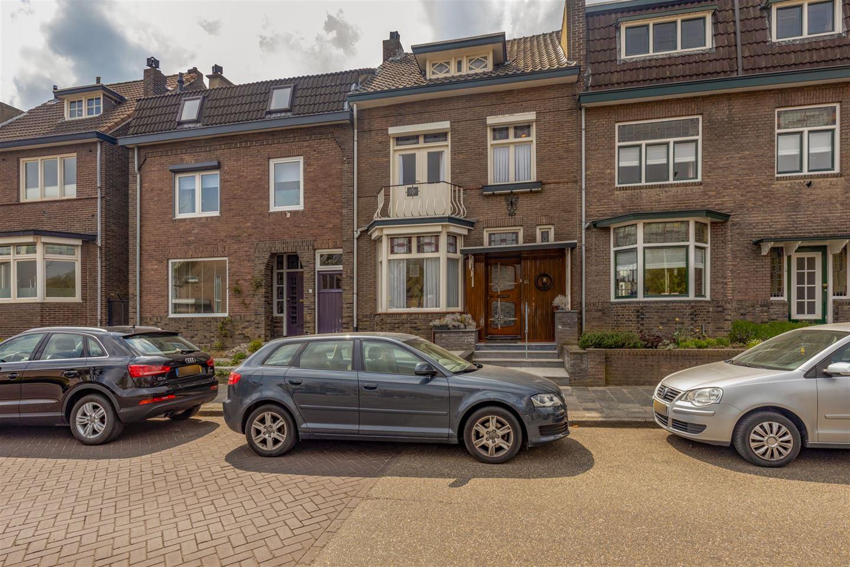 Bekijk foto 2 van Pastoor Vonckenstraat 57