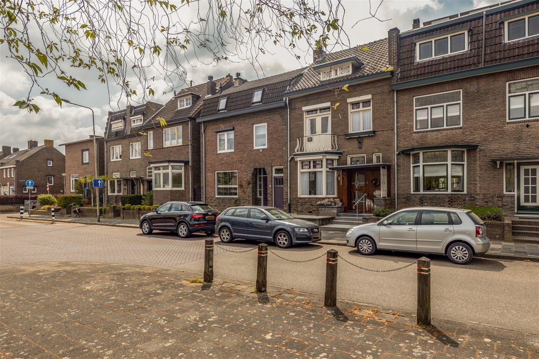 Bekijk foto 3 van Pastoor Vonckenstraat 57