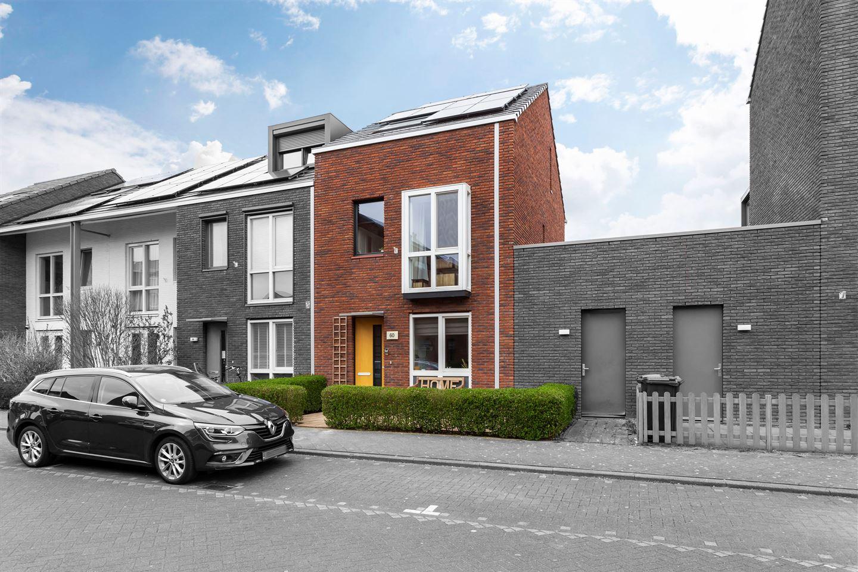 Bekijk foto 2 van Van den Broekstraat 60