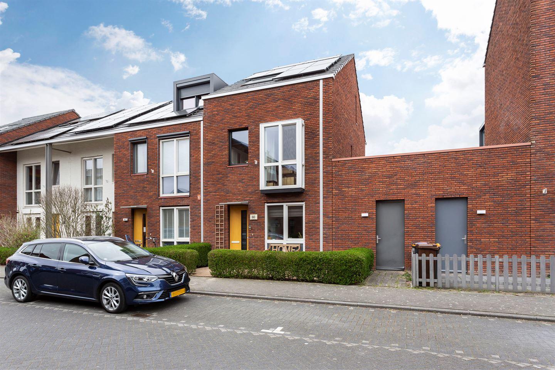 Bekijk foto 1 van Van den Broekstraat 60