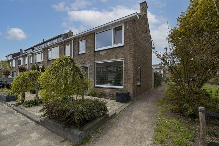 Domela Nieuwenhuisstraat 35