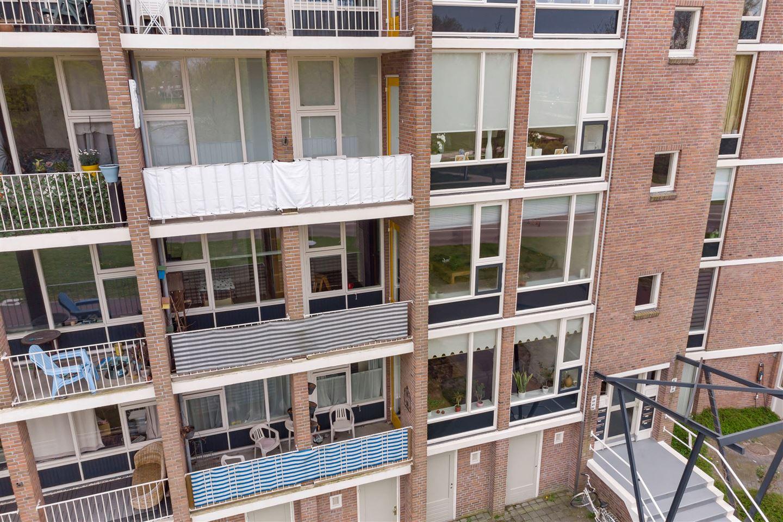 Bekijk foto 1 van Ten Oeverstraat 46