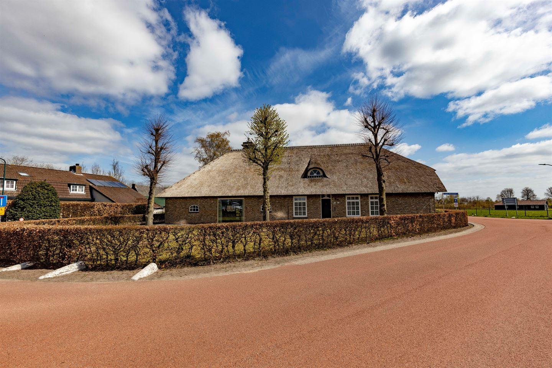 Bekijk foto 3 van Kloosterstraat 135