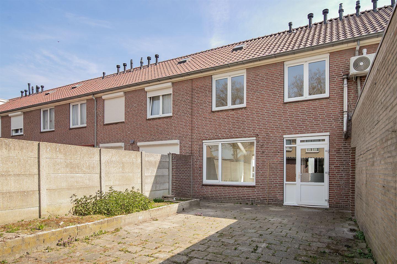 Bekijk foto 2 van Jan Tooropstraat 8
