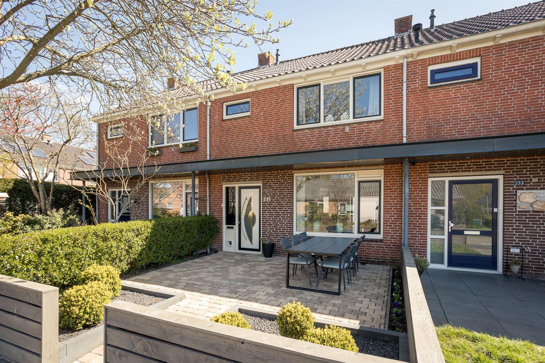Bekijk foto 1 van Graaf Willemstraat 231