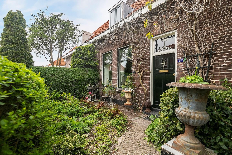 Bekijk foto 2 van Dr. Willem Vosstraat 39