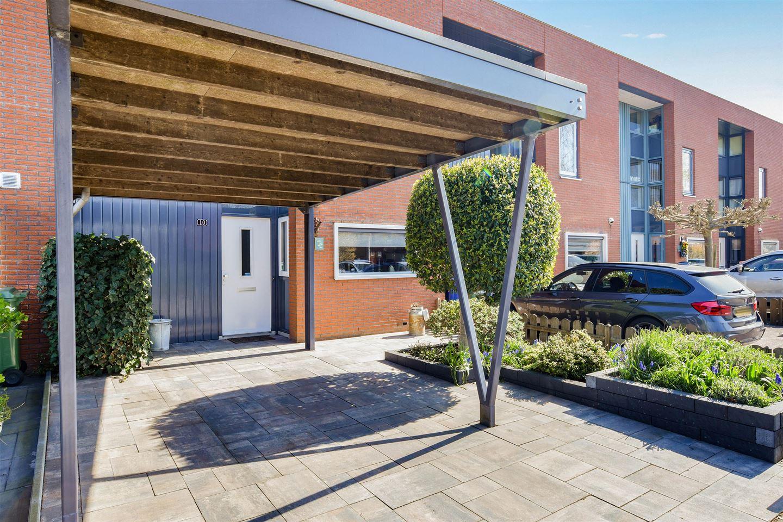 View photo 3 of Henry Moorestraat 10
