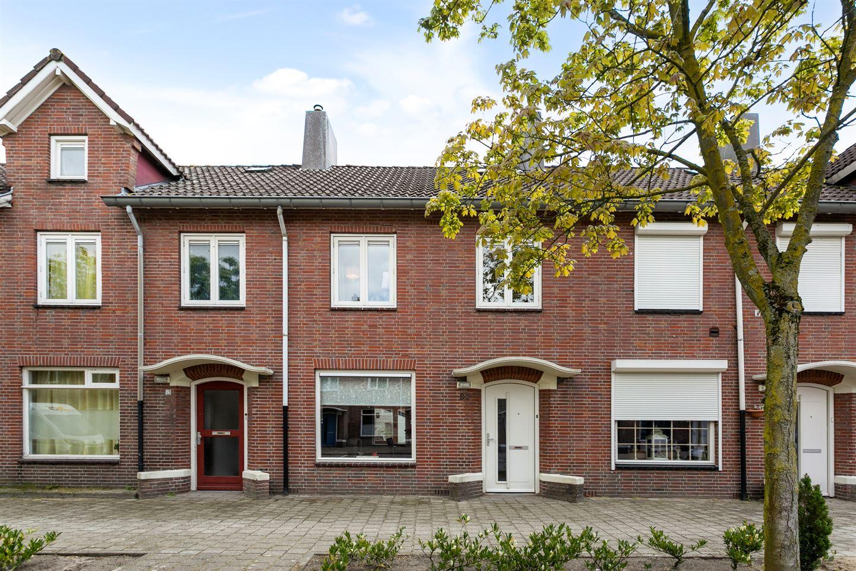 View photo 1 of Ahornstraat 50