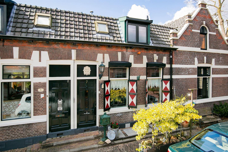 Bekijk foto 2 van Julianastraat 7