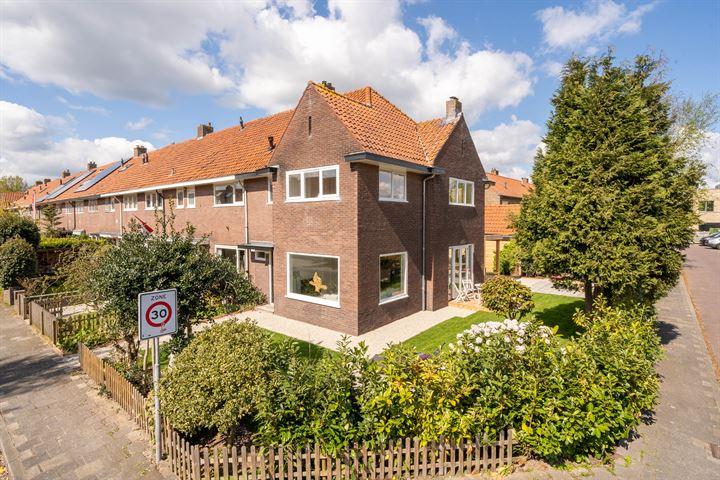 B. van Rooijenstraat 1