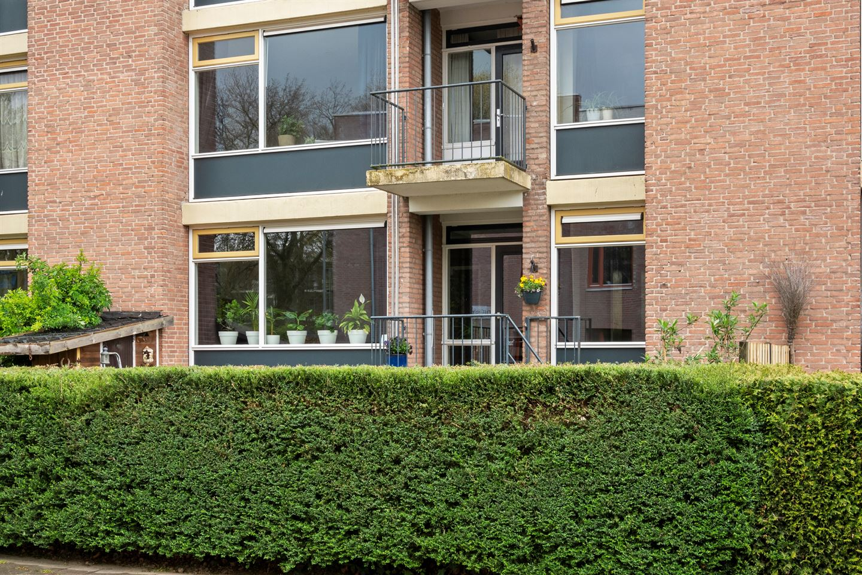Bekijk foto 4 van Van 't Hoffstraat 13