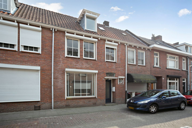 View photo 2 of Korte Hoefstraat 16