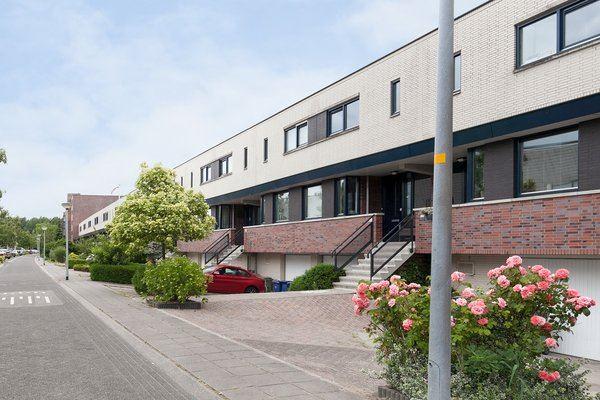 Bekijk foto 1 van Jacob van Ruysdaelstraat 70