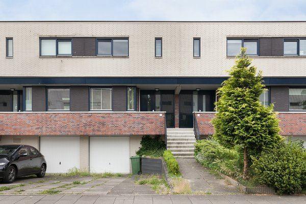 Bekijk foto 2 van Jacob van Ruysdaelstraat 70