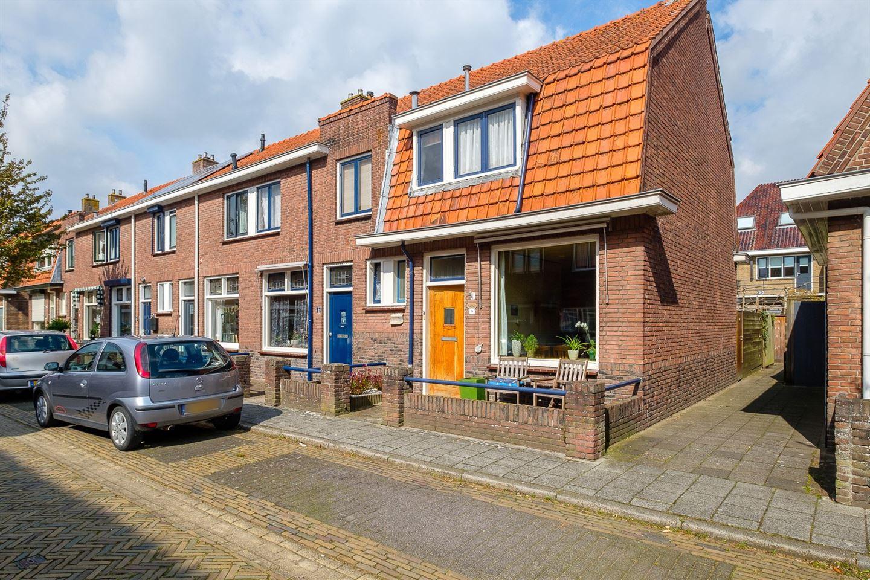 Bekijk foto 1 van van Hasseltstraat 9