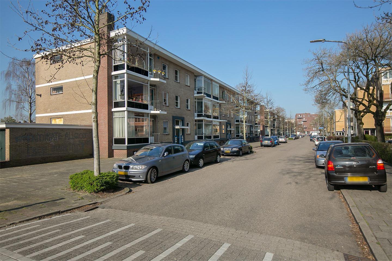 Bekijk foto 2 van Karel Doormanlaan 45
