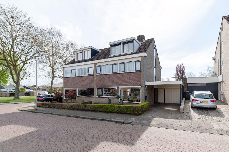 View photo 2 of Trompstraat 6