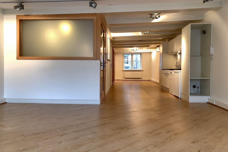 Bekijk foto 4 van Nieuwezijds Voorburgwal 158 II