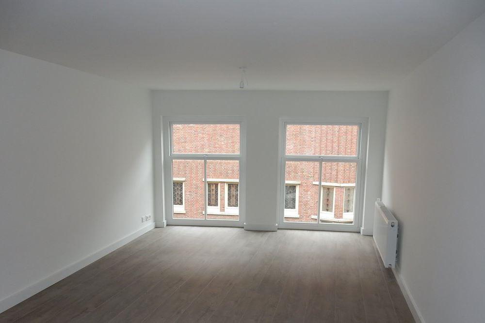 Bekijk foto 2 van Broerenstraat 2 F