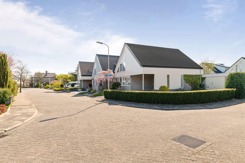 View photo 2 of Herfkensstraat 13