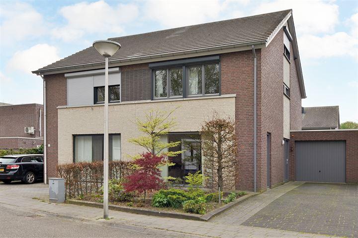 Jan van Ruusbroecstraat 9