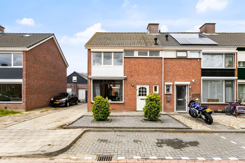 Bekijk foto 1 van AM de Jongstraat 13