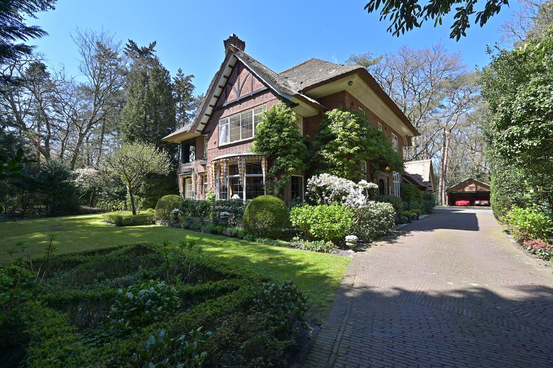 View photo 1 of Teylingerhorstlaan 6