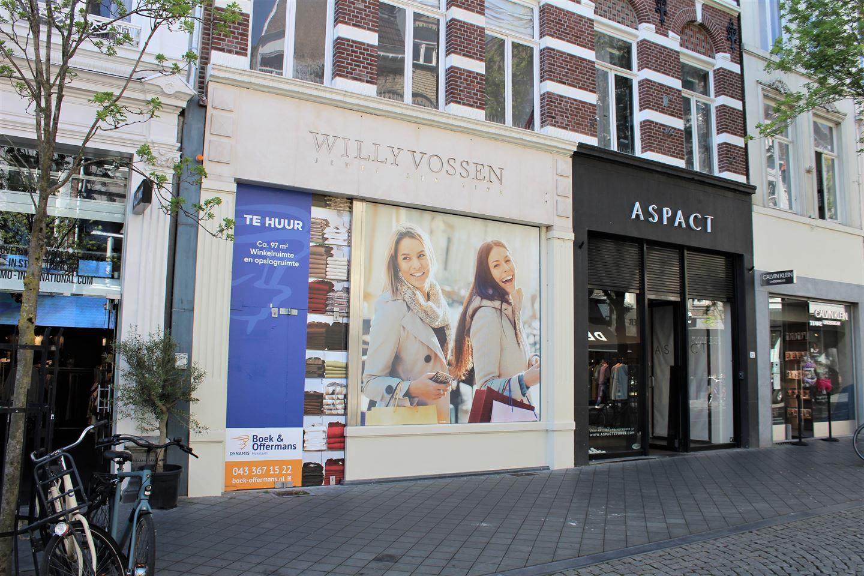Bekijk foto 1 van Maastrichter Brugstraat 13
