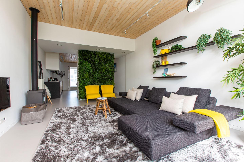 Bekijk foto 1 van Bredaseweg 252