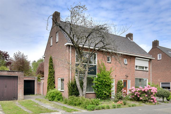 Adriaan Oomenstraat 27