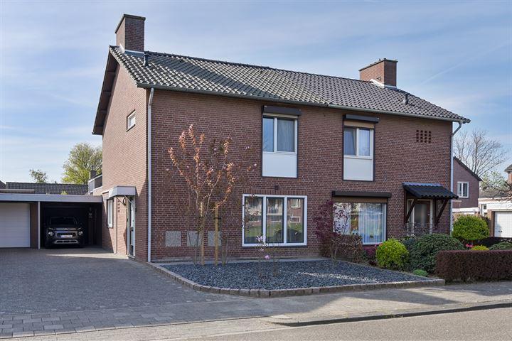 Pastoor Reijnenstraat 6
