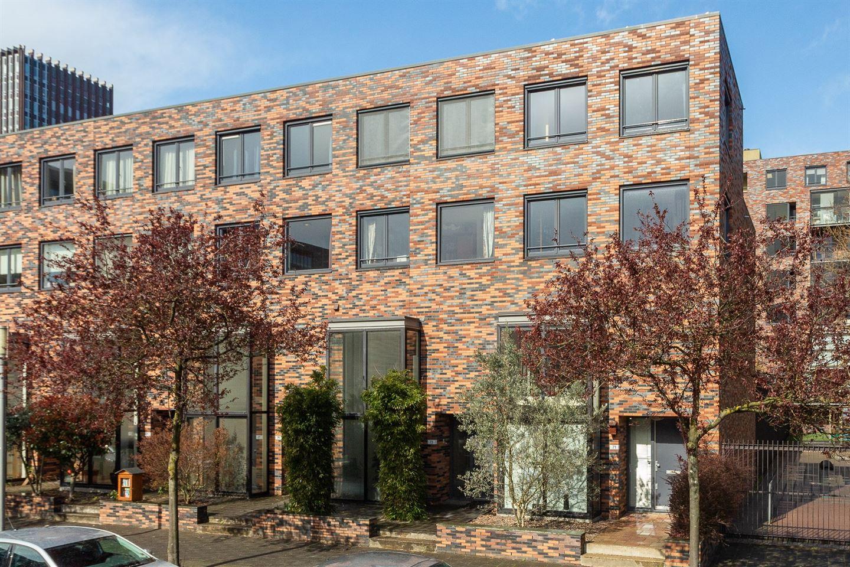 Bekijk foto 1 van J.H. van den Broekstraat 71