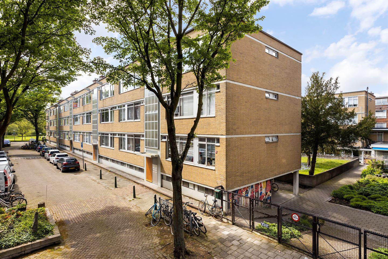 View photo 1 of Van der Horststraat 5 F