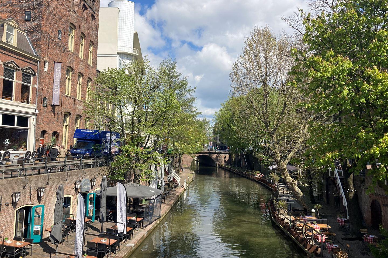 Bekijk foto 3 van Lange Viestraat 2 d
