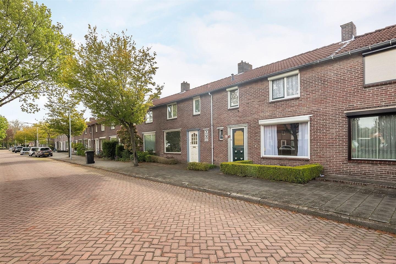Bekijk foto 2 van Dr. Schaepmanstraat 33