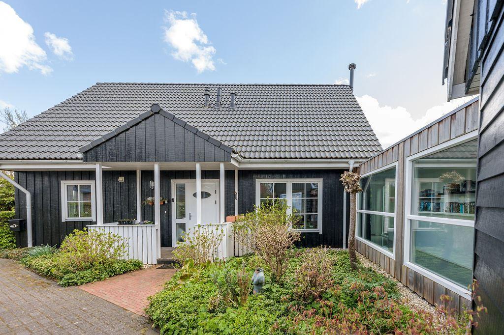 View photo 1 of Horstlaan 14