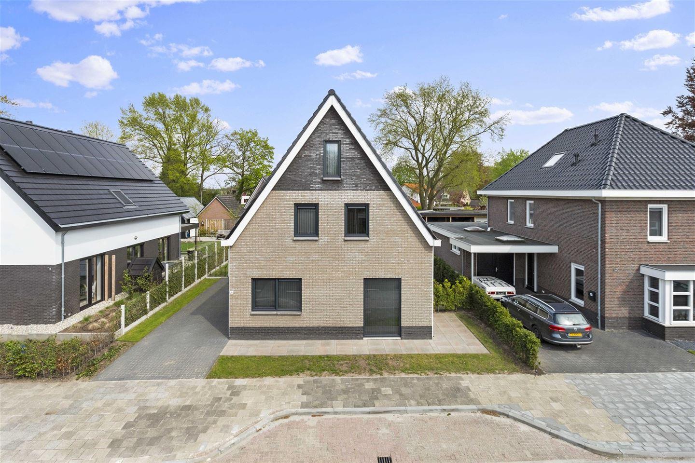 Bekijk foto 4 van Dorpsstraat 46