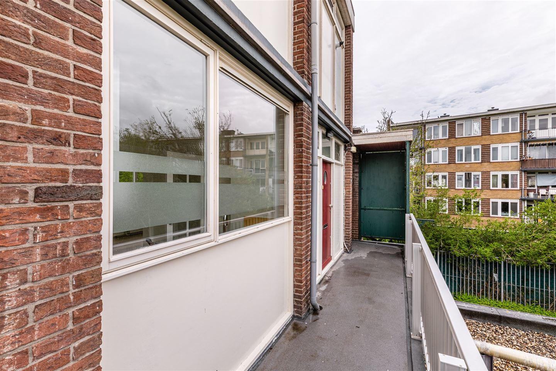 Bekijk foto 2 van E.du Perronstraat 46
