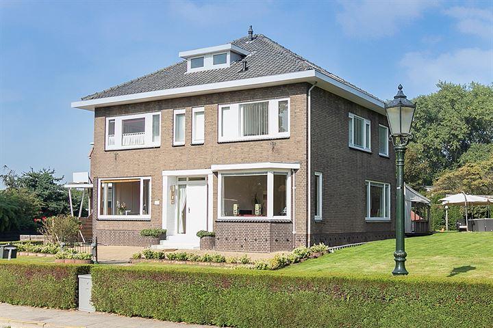 Dorpsstraat 2 - 4