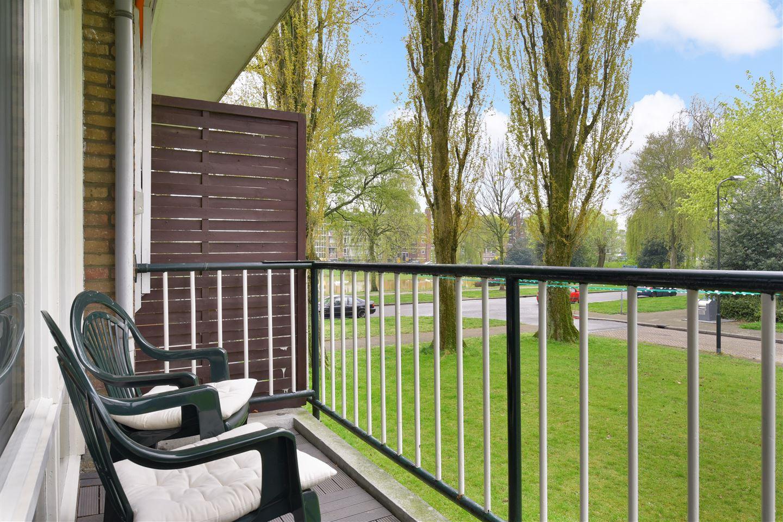 View photo 2 of Cort van der Lindenstraat 20