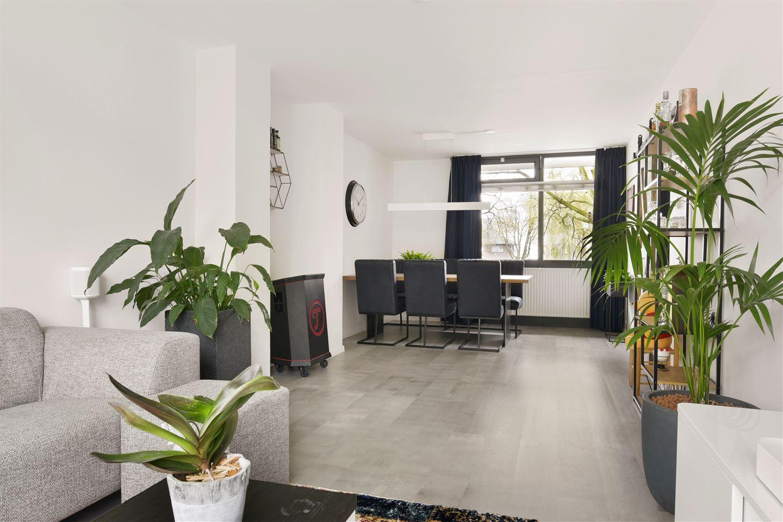 View photo 3 of Cort van der Lindenstraat 20