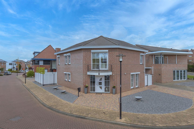 Bekijk foto 1 van Dirk Zweepstraat 4