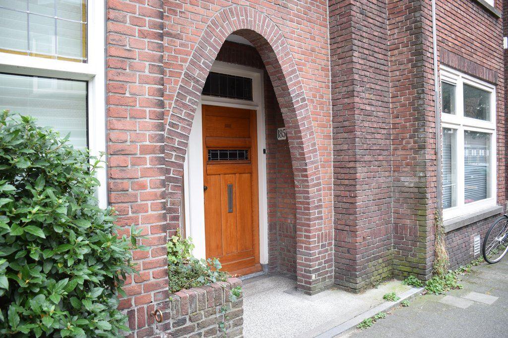 Bekijk foto 2 van Weissenbruchstraat 185 .