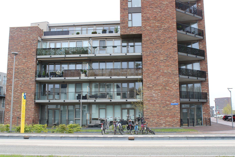 Bekijk foto 1 van Beneluxlaan 720
